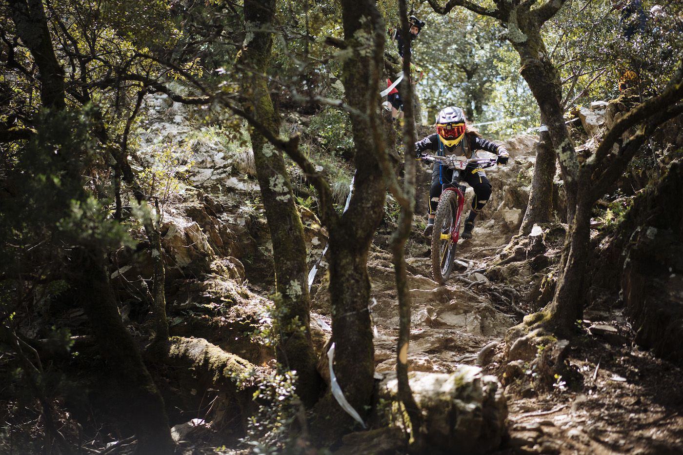 Olargues byr på mye men relativt teknisk terreng. Foto: Enduro World Series